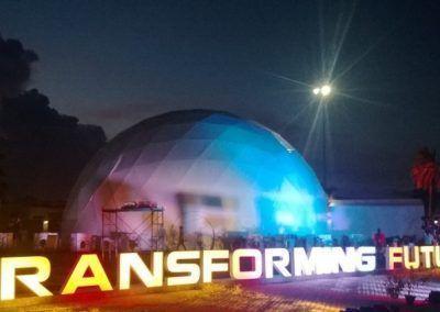 Proyecciones Full-Dome en Geodomes 500 en la India