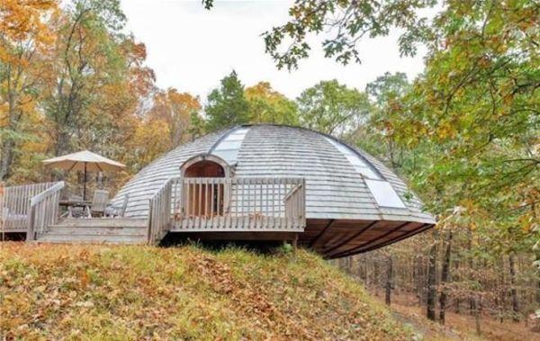 El impresionante Domo Geodésico / casa que gira con sólo pulsar un botón